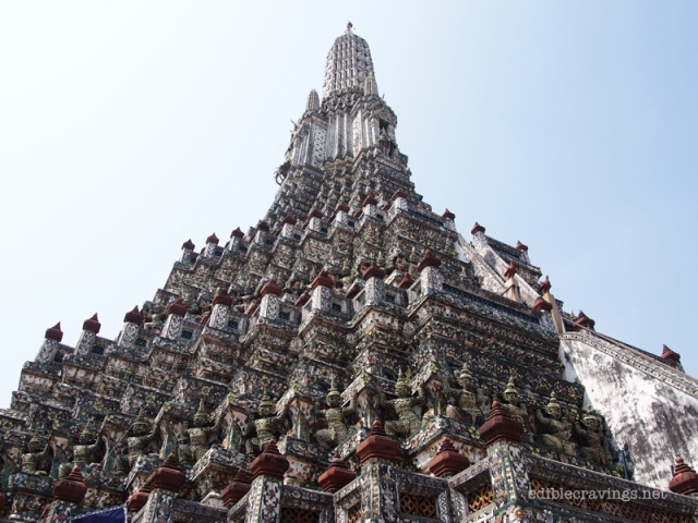 A closer look at Wat Arun